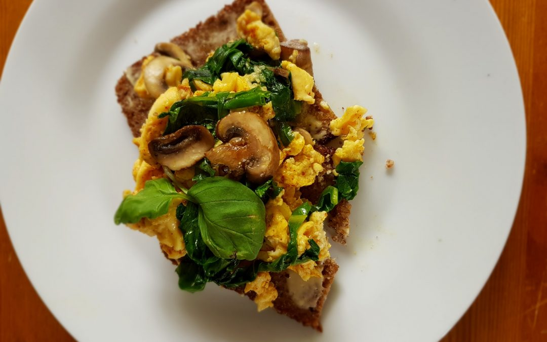 Scrambled eggs, mushrooms & spinach
